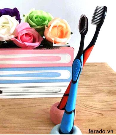 4 bàn chải đánh răng hàn quốc than hoạt tính