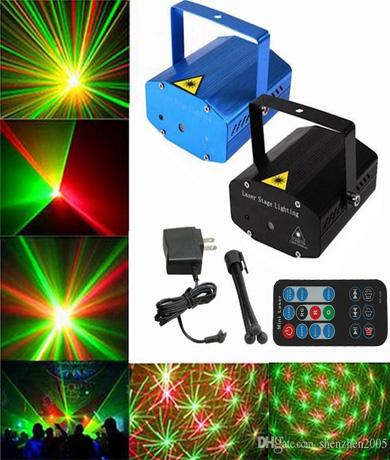Đèn chiếu laser cám ứng theo nhạc có điều khiển