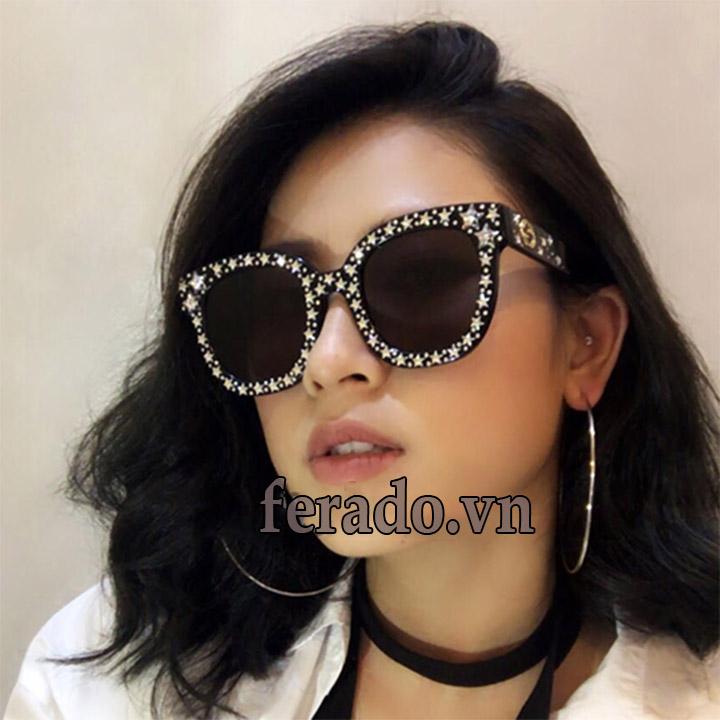 mắt kính nữ sao 2018